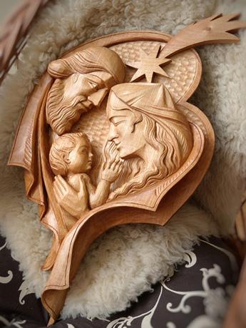 drevorezba od rezbára - Ježiš v náručí (typ č.2)